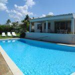 House & pool Campainhas